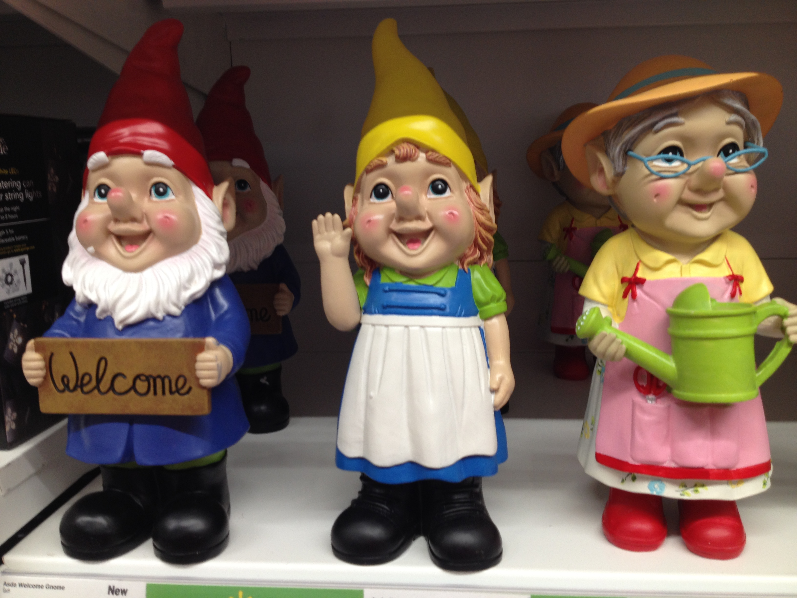 Mini Garden Gnomes Gnometastic Ghostly Tom S Travel Blog